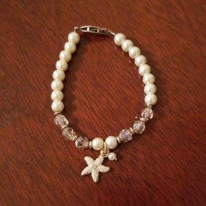 Jewelry - Beaded bracelet with starfish charm